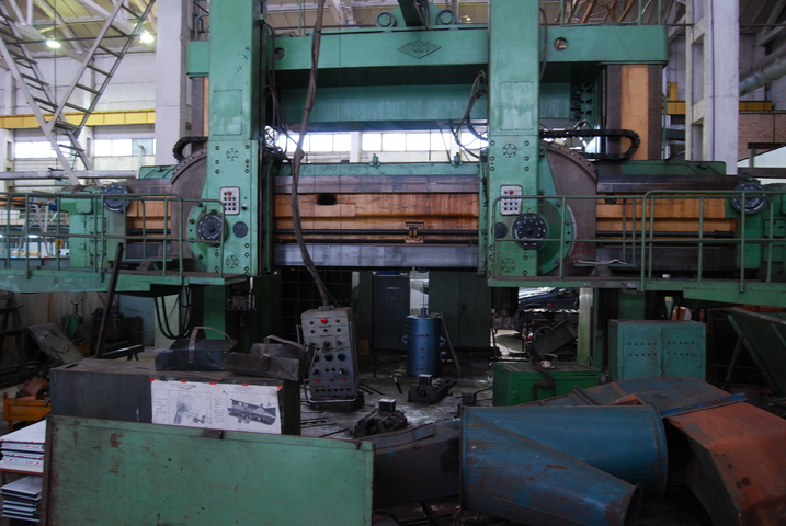 Heavy duty vertical turning lathe 1550